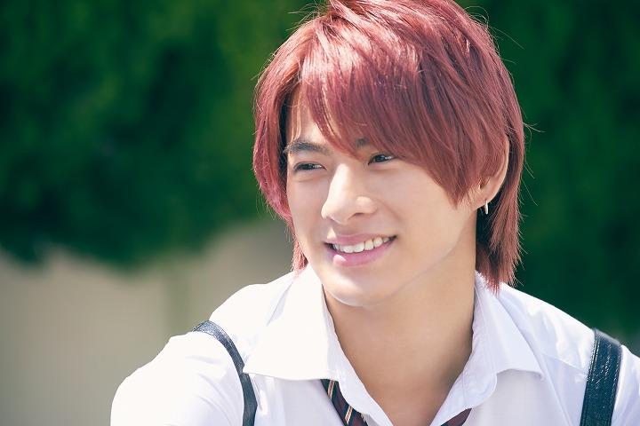 平野紫耀赤髪
