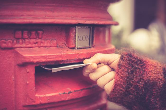 手書きの手紙で好きな人に想いを伝えるのもアリ!ラブレターの書き方
