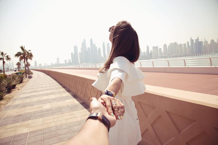 初めてのデートで私から手をつないでもいい?初デートの手のつなぎ方