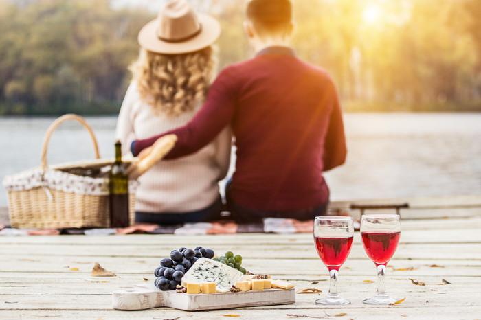 珍しい!?ピクニックデートは何をもっていけばいいの?
