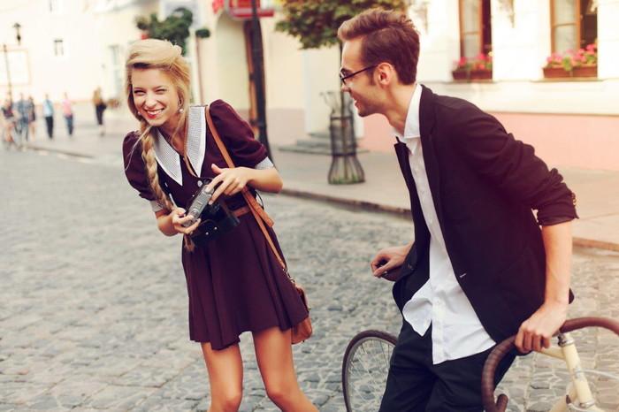 ドキドキの初めてのデート!どうやって話そう…。初デートの会話術
