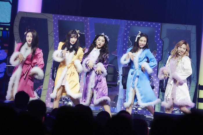 最注目の韓国ガールズグループ「Red Velvet」が初の全国ツアーを完走!