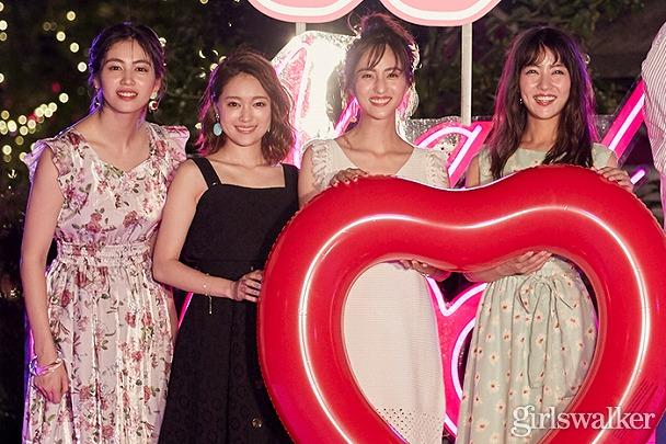 chay、E-girls楓らが大興奮!「日本一可愛いフォトスポット」CanCamナイトプールオープン