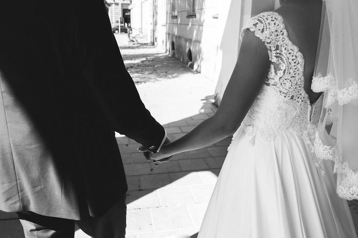 夫婦になる前に知っておこう!女性が結婚するメリットとデメリット