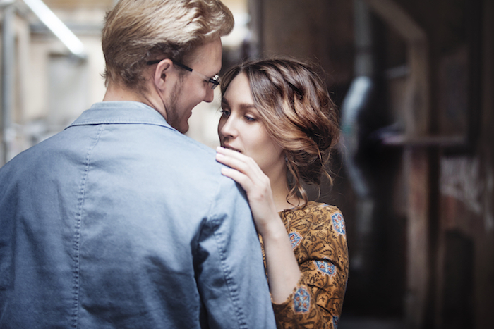 好きな人と目が合うの♡男子の目線に隠された意味を解き明かせ!