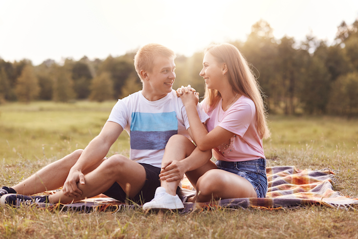 お互い好きなのに進展しない・・・『両片思い』の原因とその特徴を紹介!