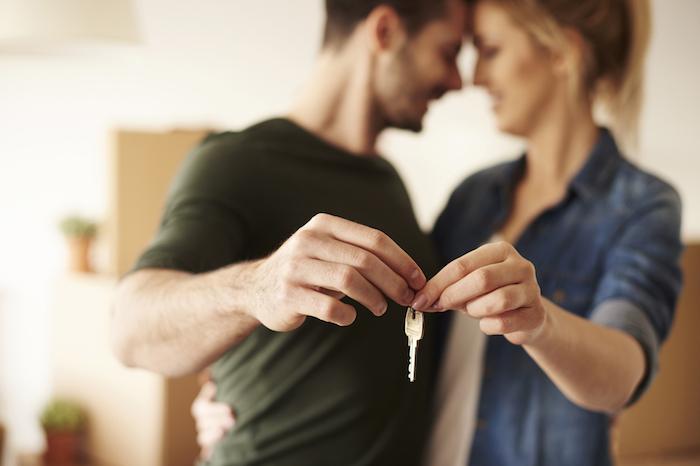 結婚前提で同棲するメリットは?二人暮らしを始める前の注意点も解説!