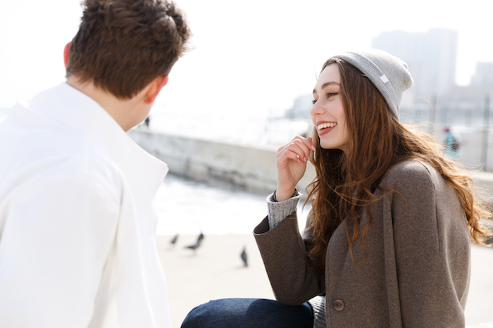 """男子が好きな""""女子が下ネタを振られたときのリアクション""""はコレ!"""