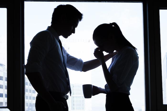 同じ職場の人に失恋した・・・好きな人を忘れるための5つの方法