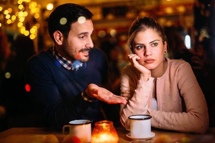 恋愛感情?それとも私が嫌いなの?男性が女性をからかう心理って?