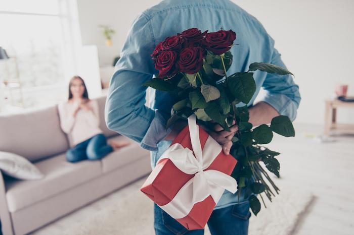 男性からの誕生日プレゼントには深層心理が隠れてる?意味を知ると面白い!