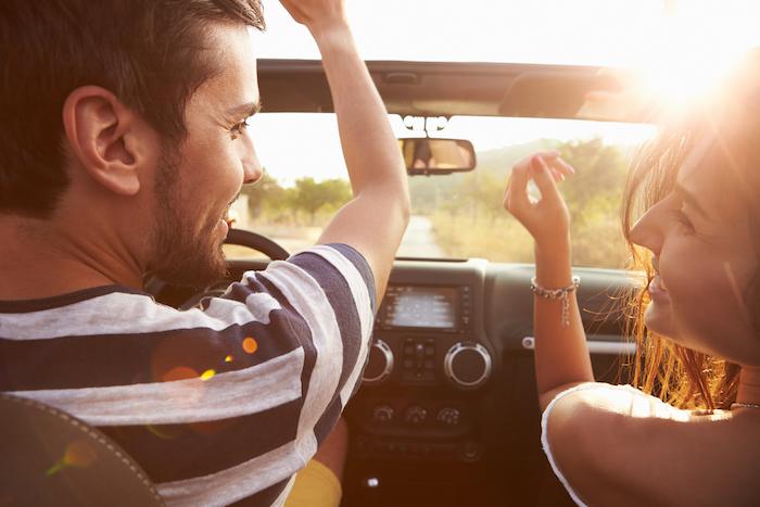 ドライブデートはいい女の見せ所!彼氏が喜ぶ気遣いはコレ