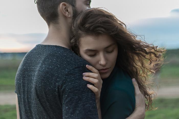 「好き好き好き」は危険!?彼氏を好きすぎるのは別れの原因になることも!
