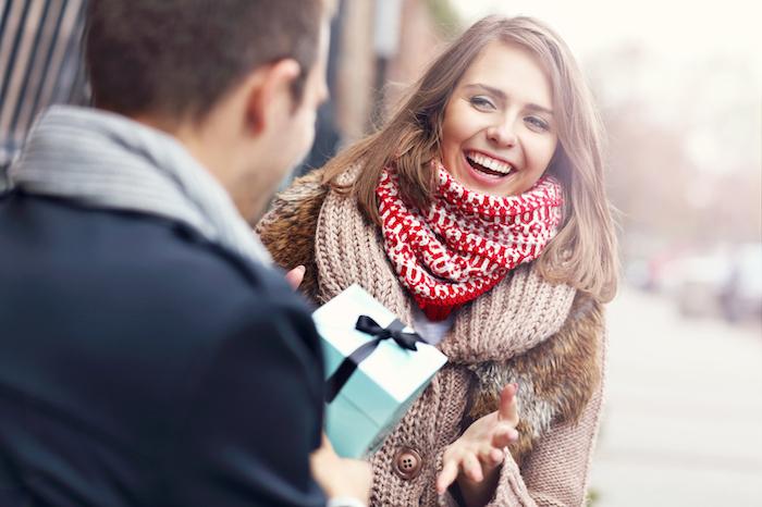 気持ちは嬉しいけど、「正直重い・・・」と感じちゃう彼氏からのプレゼント5選