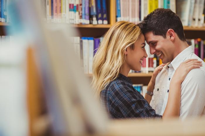 恋したいなら行動しなきゃ!大学生カップルの出会いのきっかけ4つを紹介