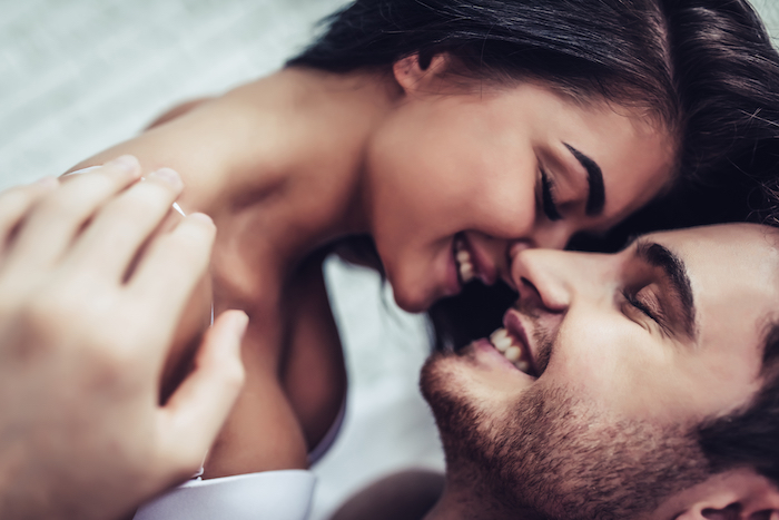 「気になる人と話せない」は恋の武器になる!?口下手な女性がモテる5つの理由