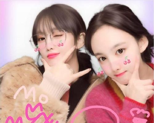 TWICE・モモ&ナヨンのプリクラ画像が話題!故郷の京都を満喫中
