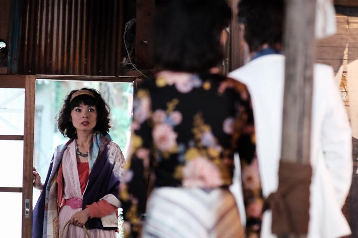 映画「セブンガールズ」s-dances-shitsuren