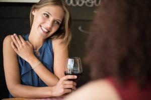 女子の一人飲みも大歓迎!一度は行きたい新宿ゴールデン街のおすすめのお店5選
