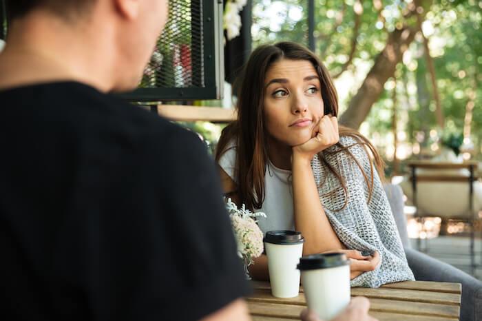 やきもちを妬く男性心理とは?こんな態度ならジェラシーを感じている証拠かも!