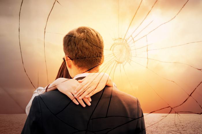 嫉妬深い男に気をつけて!付き合う前に注意するべき5つの特徴
