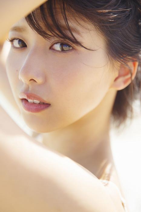 欅坂46渡邉理佐の1st写真集が発売決定!