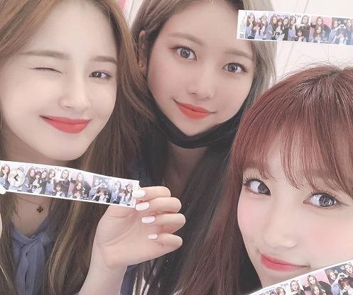 IZ*ONE矢吹奈子、MOMOLANDジェイン&ナンシーとのプライベート写真に「女神が3人」