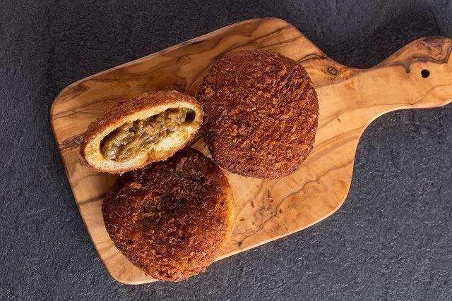 """""""パン好きの聖地""""と称される人気ベーカリー「Zopf」がカレーパン専門店を初出店"""