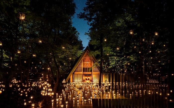 夏のデート旅行はこれで決まり♥軽井沢高原教会の「サマーキャンドルナイト」