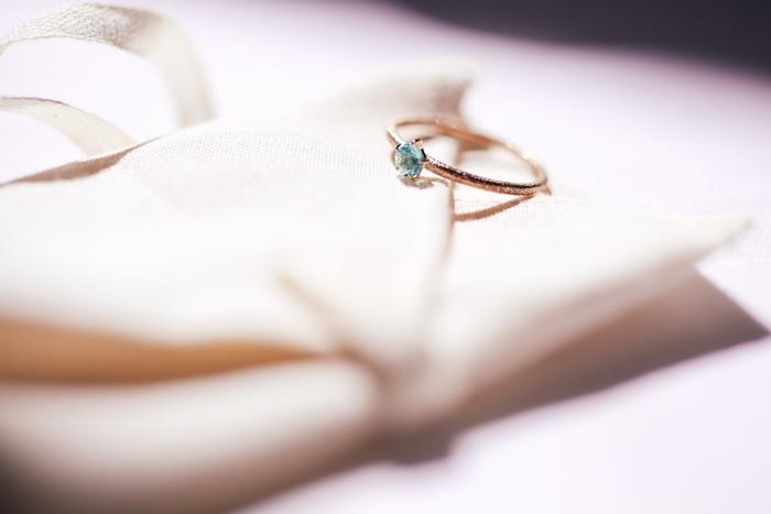 【夢占い】あなたが一大決心する前触れかも。指輪の夢の意味とは?