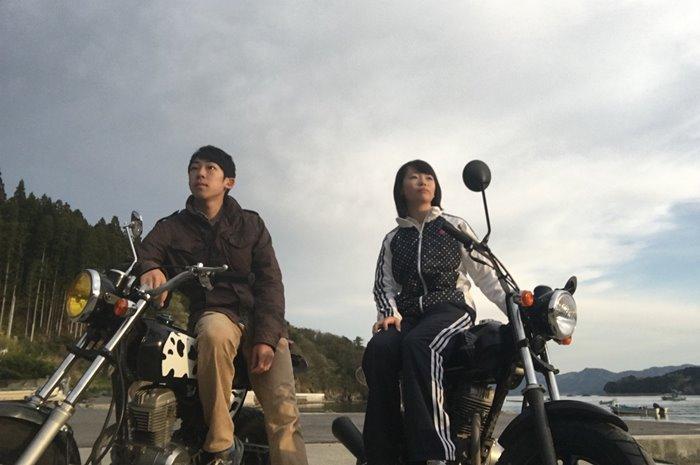 【夢占い】危険な恋に手を出そうとしている暗示?バイクの夢の意味とは
