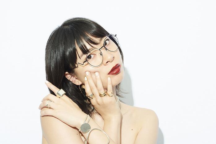 今っぽ女子の必須アイテム♡ジュエリーのような眼鏡「Zoff×LOVE BY e.m.」