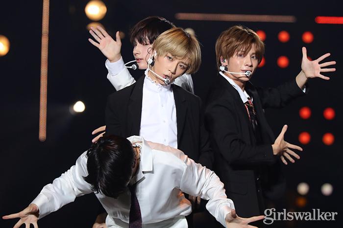 BTS弟分・TOMORROW X TOGETHER、日本初パフォーマンス 欠席メンバー・ヨンジュンにも言及