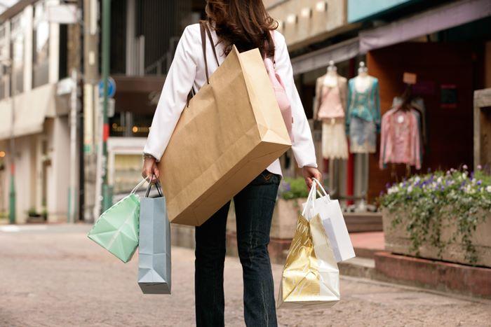 【夢占い】あなたの願望が叶う暗示かも?!買い物の夢の意味とは