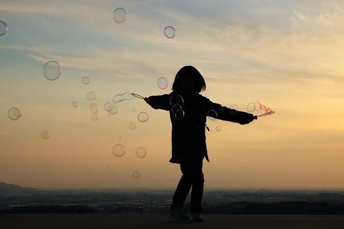 【夢占い】心のSOSを知らせるメッセージかも?子供の夢の意味