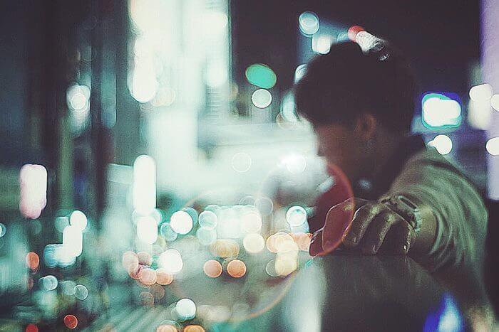 見逃さないことが大切!遠距離恋愛中の彼氏の寂しい気持ちを示す6つのサイン