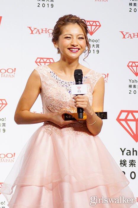 Yahoo!検索大賞2019_ゆきぽよ_ドレス04