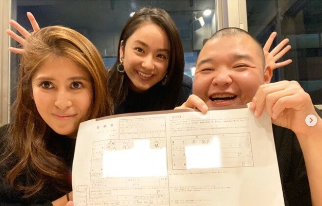 平祐奈、内山信二&琴夫妻の結婚保証人に「お二人の幸せを願って…」