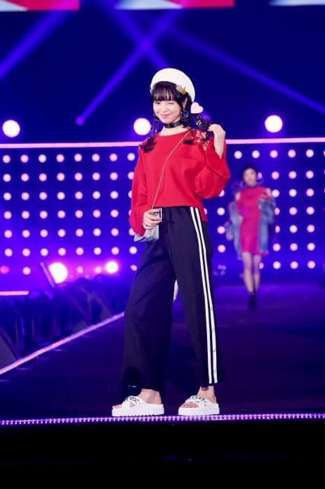 TGC2017SSランウェイ横田真悠03