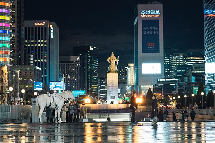『ザ・キング: 永遠の君主』06光化門広場