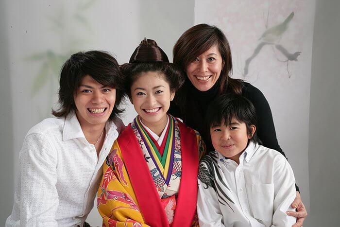 s-山田優_2005年20歳_家族写真