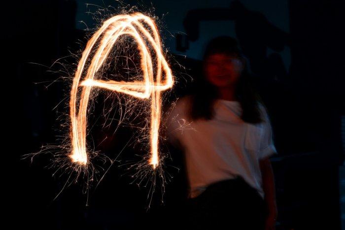 花火で作ったAの文字