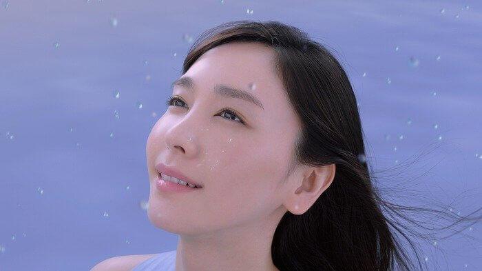 雪肌精_コーセー_SEKKISEI_新CM_美白_white_クリアウェルネス_CMカット3