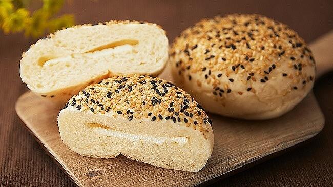 ローソンストア100_11月_新作パン_毎週水曜日_給食パン_カマンベールチーズパン