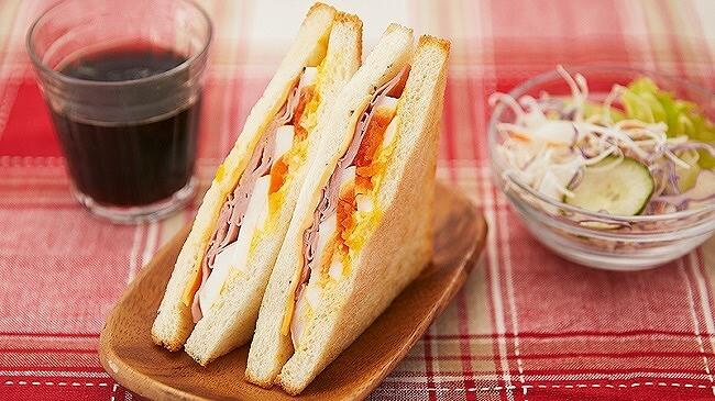 ローソンストア100_11月_新作パン_毎週水曜日_給食パン_ホットサンド ハムチーズ