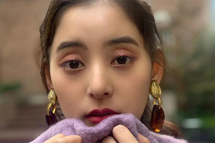 新木優子、溢れ出す彼女感!萌え袖近距離ショットに「お美しい」「美の象徴」の声