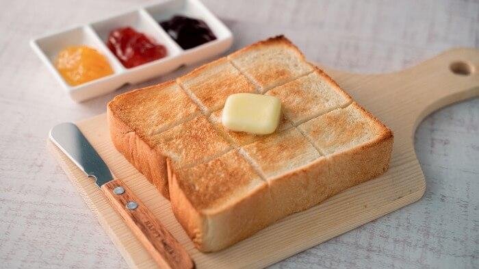 俺のBakery監修 究極のしっとりもっちり食パン 4枚入り 315円、2枚入り 165円(ともに税抜)_ファミリーマート