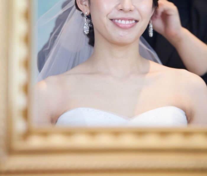 鎖骨が綺麗に出てる花嫁