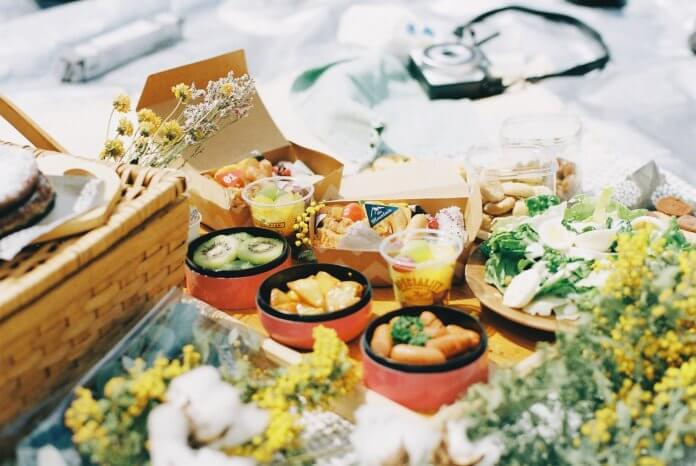 ピクニックお弁当とお花