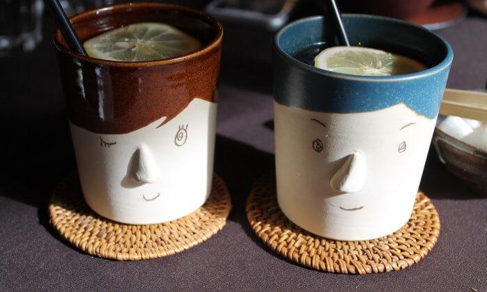 ペアのマグカップ